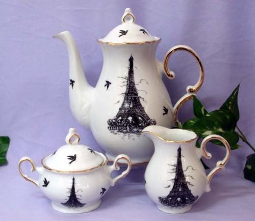 Eiffel Tower Tea Set